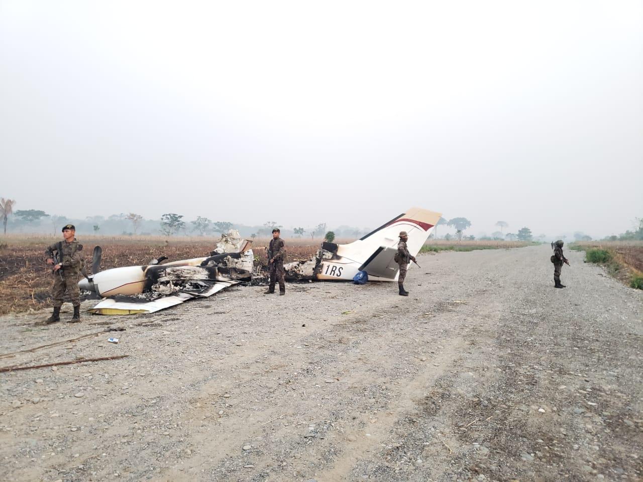 Avioneta incendiada en Alta Verapaz