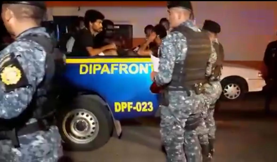 Migrantes extranjeros capturados en la Ruta al Pacífico.