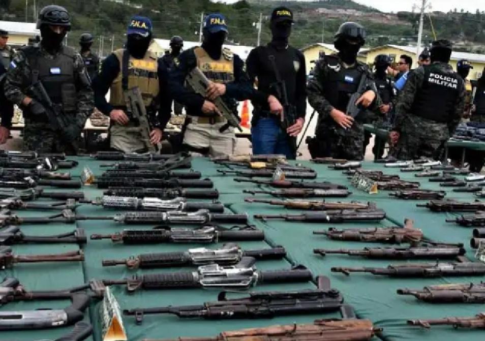 La Policía de El Salvador ha decomisado más de 1.500 armas en 2019 Foto con fines ilustrativos
