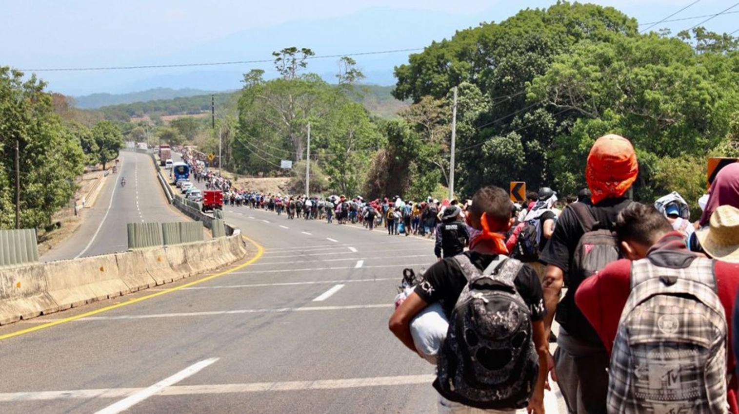 México bloquea cuentas de traficantes de personas ligados a caravanas de migrantes