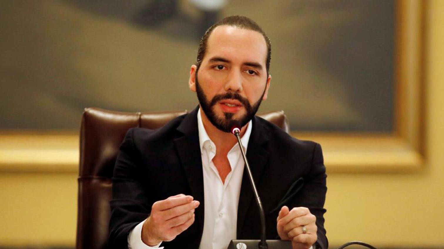 Nayib Bukele acusa a su antecesor de nepotismo