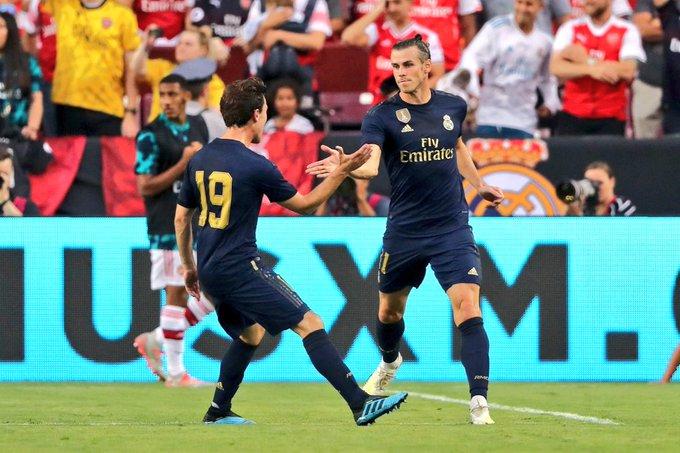 Gareth Bale anota frente al Arsenal