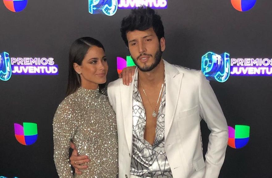 Sebastián Yatra y Tini Premios Juventud 2019