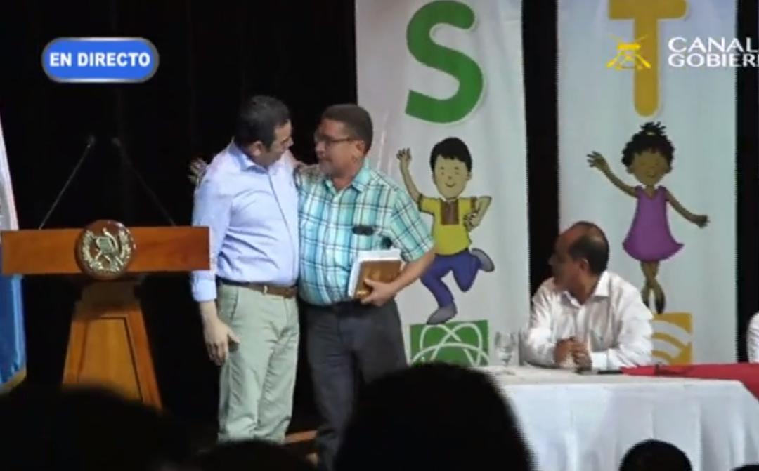 Jimmy Morales felicitó a Joviel Acevedo