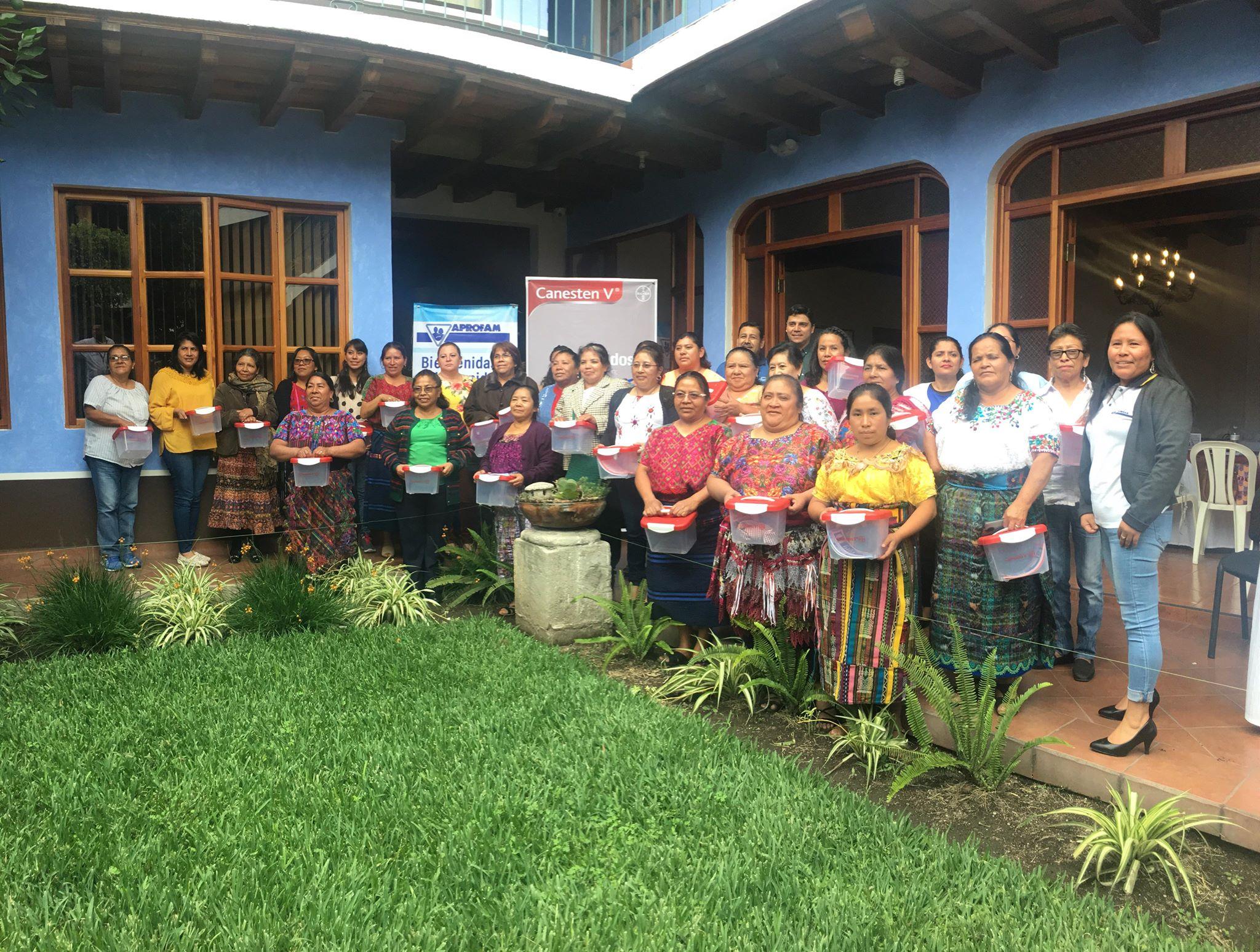 Bayer y Aprofam Guatemala
