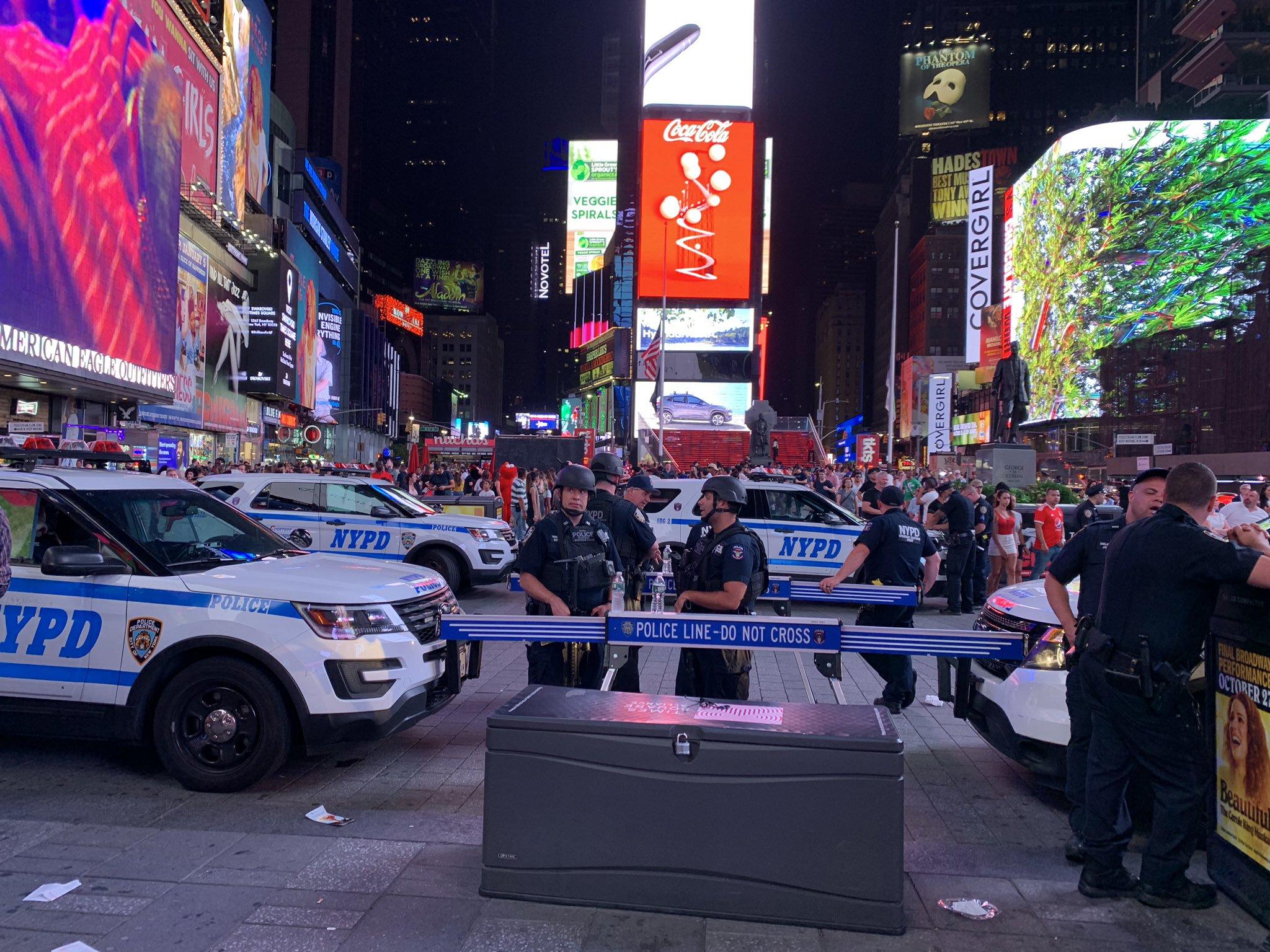 Falsa alarma de tiroteo provoca estampida en Times Square