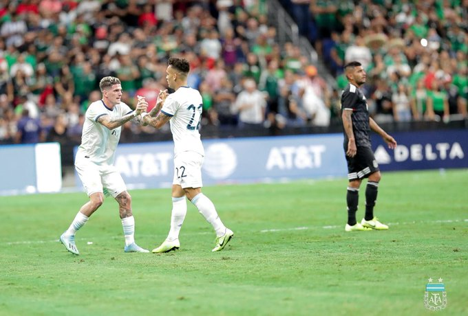 Argentina juega ante México