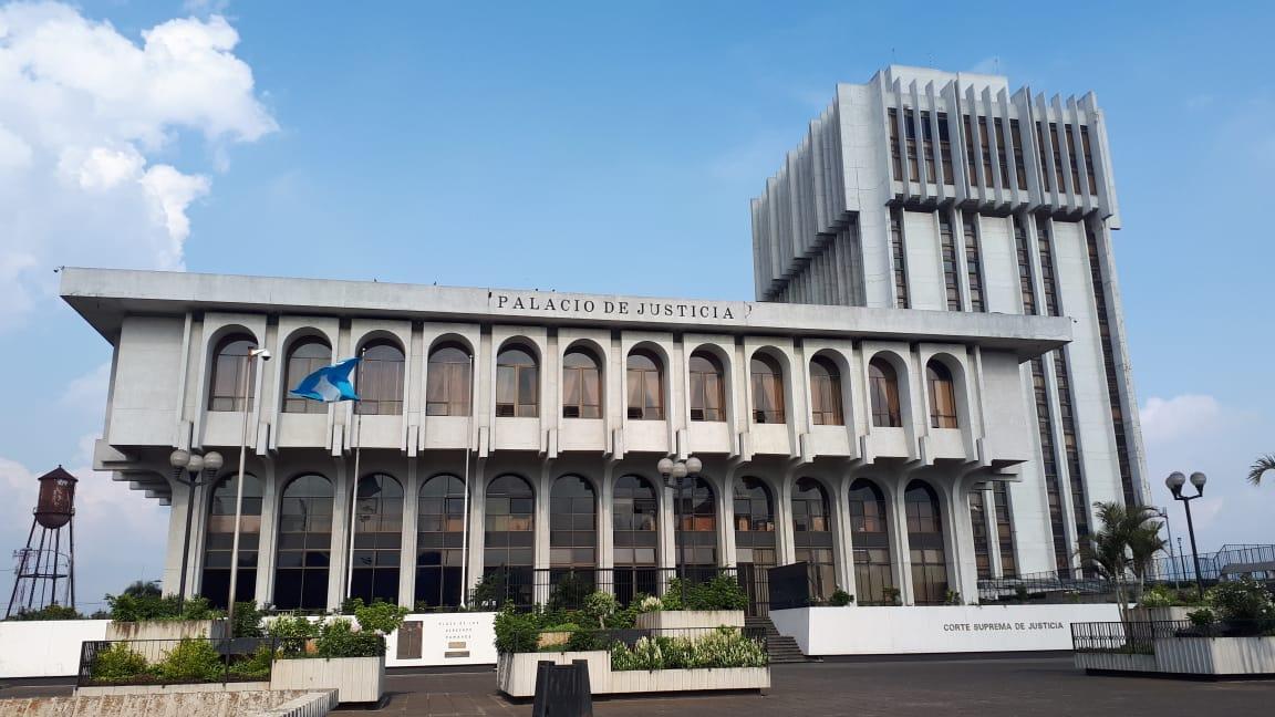 Corte Suprema de Justicia (CSJ) y Torre de Tribunales.