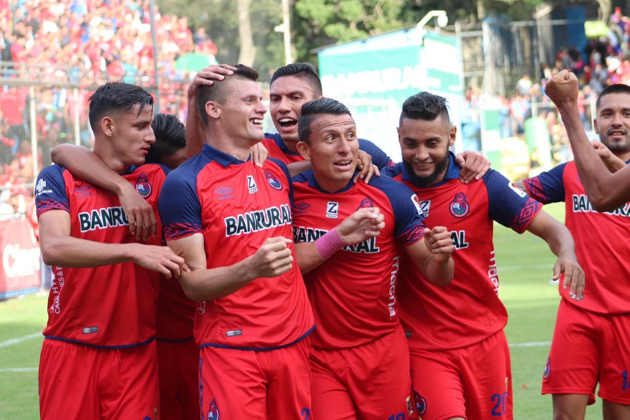 El gol de Orlando Moreira
