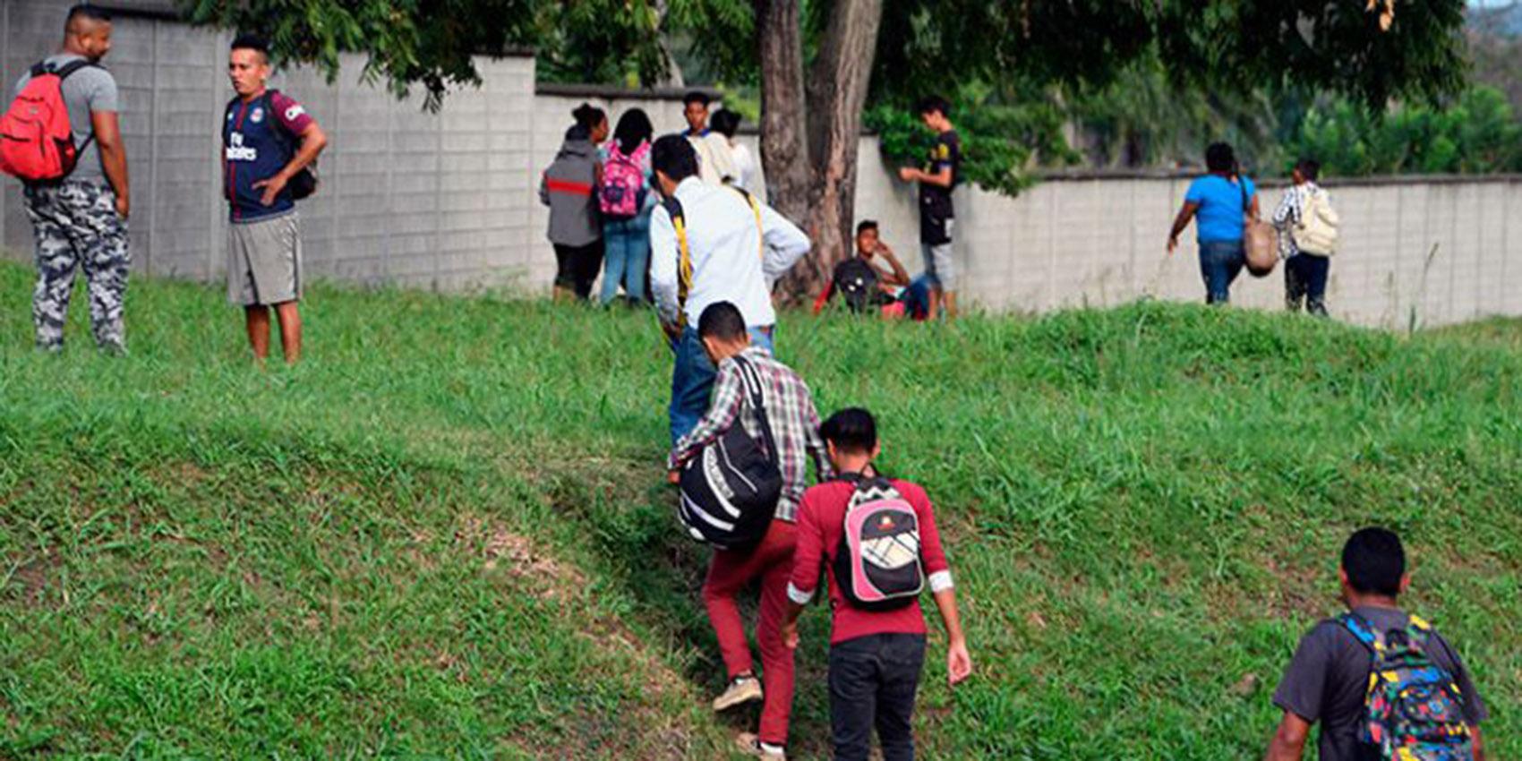 Organizaciones civiles rechazan posible acuerdo migratorio de Honduras con EEUU