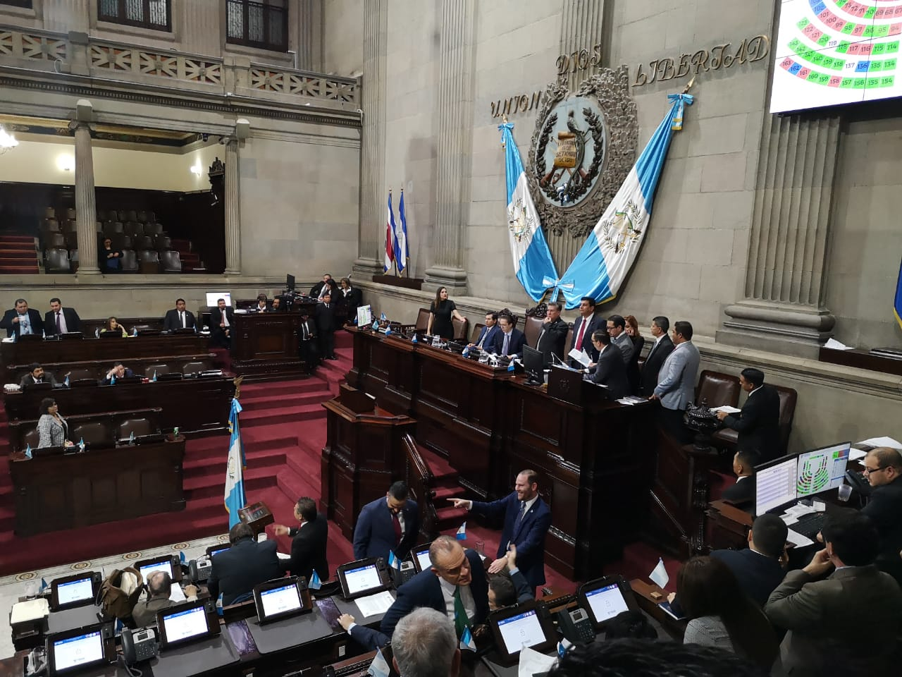Diputados aprueban primer debate de reformas a la Carrera Judicial