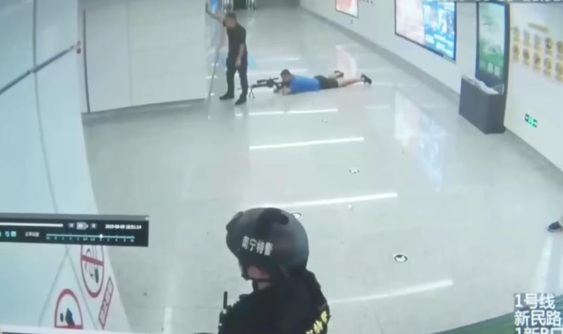 Francotirador mata a secuestrador en China