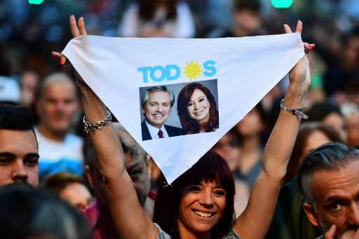 Fernández logró una elección y Macri reconoce derrota