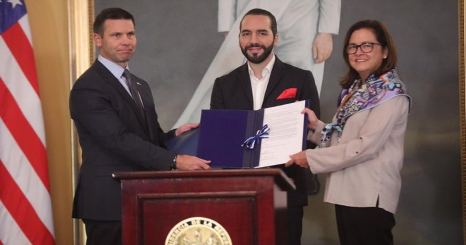 EEUU modera advertencia para viajeros hacia El Salvador tras acuerdo migratorio