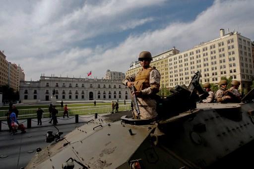 Ejército chileno decreta toque de queda en Santiago luego de violentas protestas