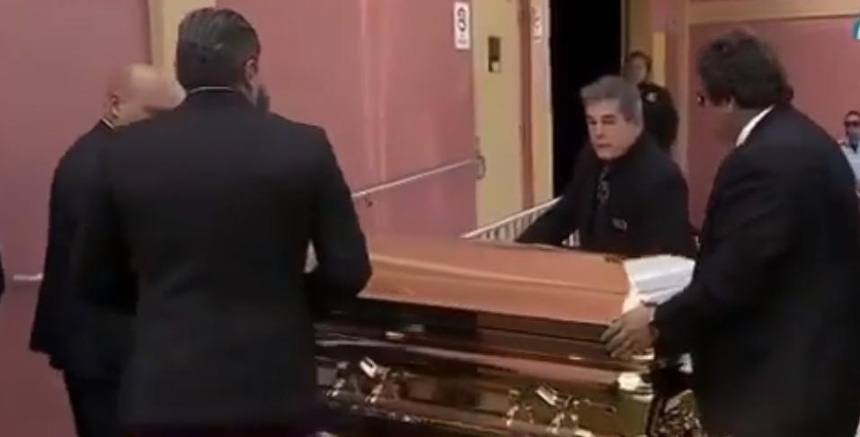 Empiezan los homenajes a José José