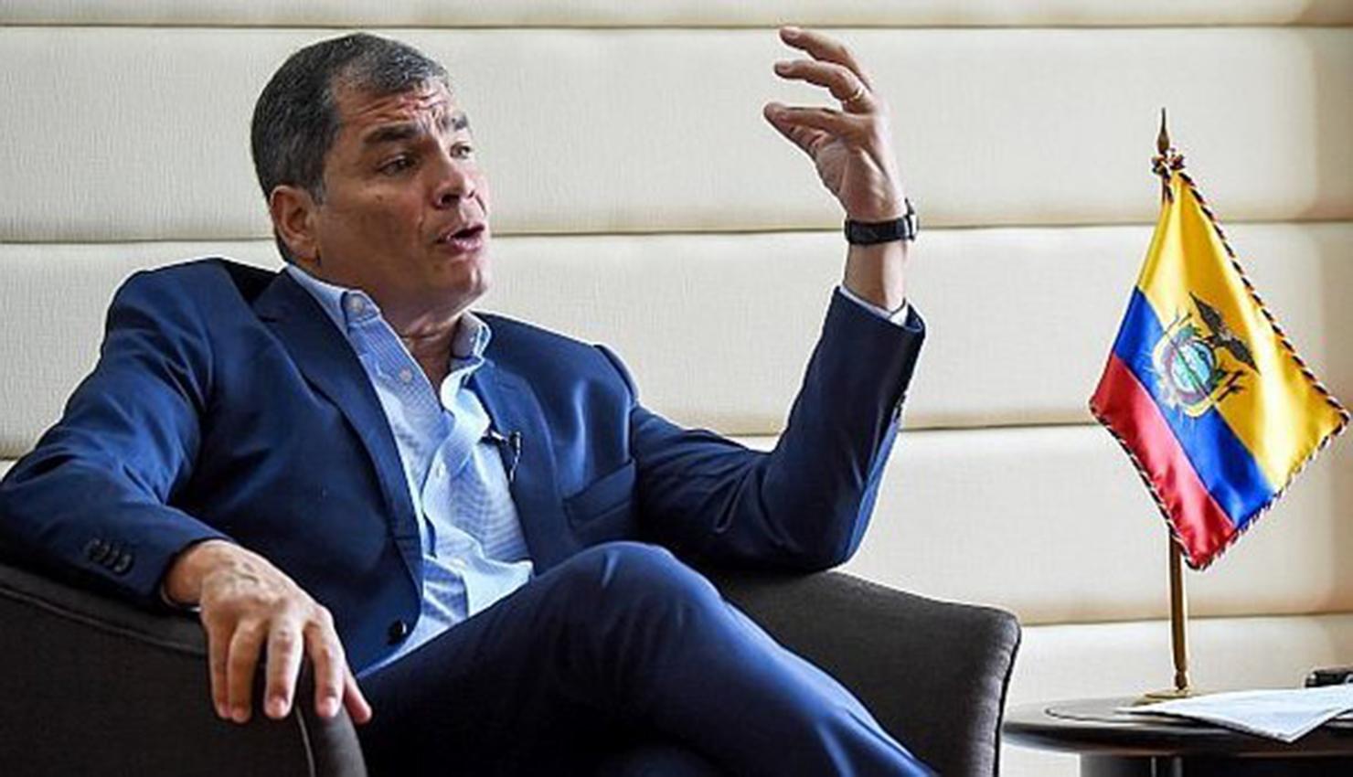 "Expresidente Rafael Correa pide adelantar elecciones en Ecuador ante ""grave conmoción social"""