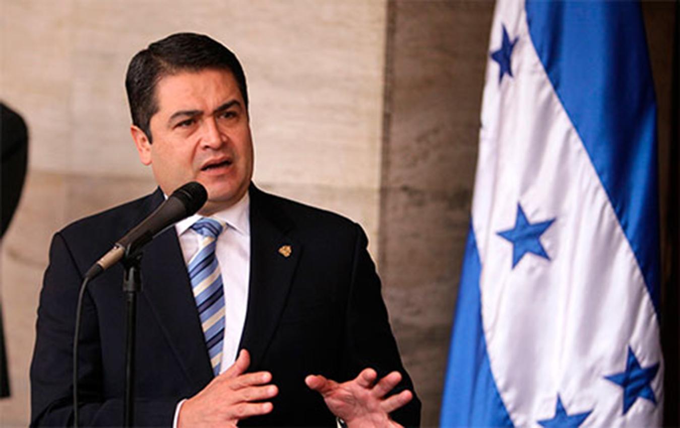 Fiscal de EEUU dice que presidente de Honduras recibió millones de dólares de narcos, incluido el Chapo