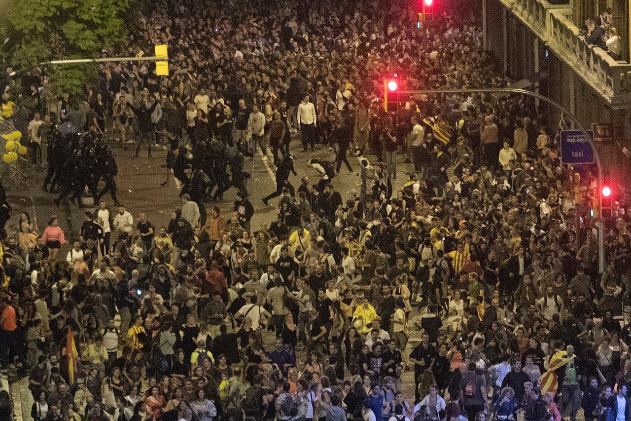 Los independentistas colapsan Barcelona en apoyo a sus líderes presos