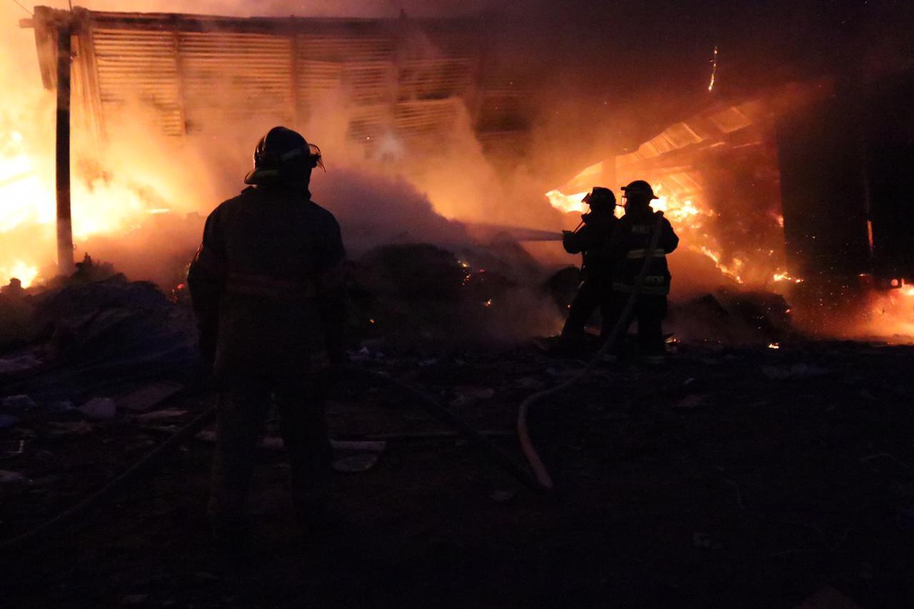 https://emisorasunidas.com//2019/10/12/bomberos-heridos-incendio-bodegas-mixco/