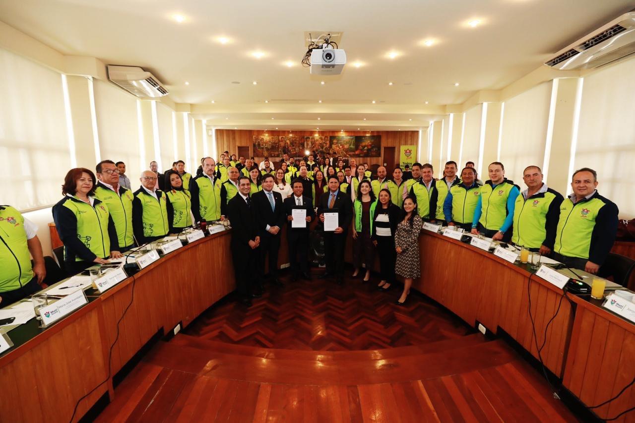 Municipalidad de Guatemala firma convenio con Universidad Da Vinci