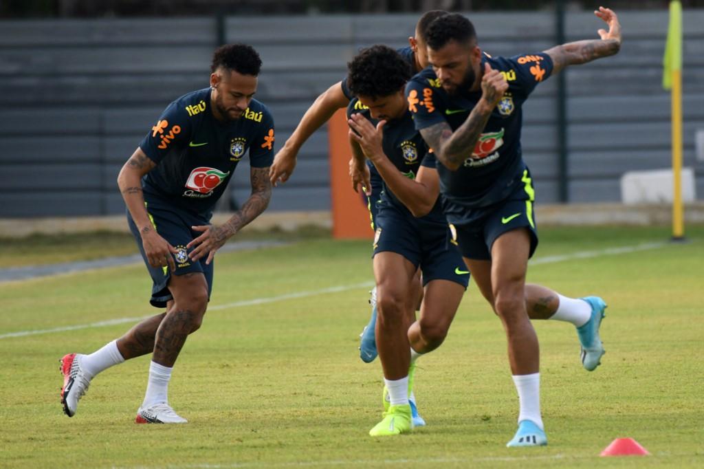Selección de Brasil en una práctica