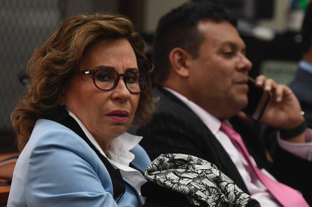 Sandra Torres permanecerá internada en hospital privado