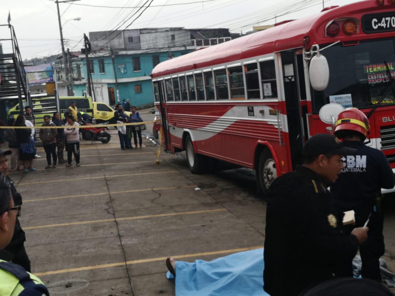 Piloto de bus murió en ataque armado zona 10 de Mixco.