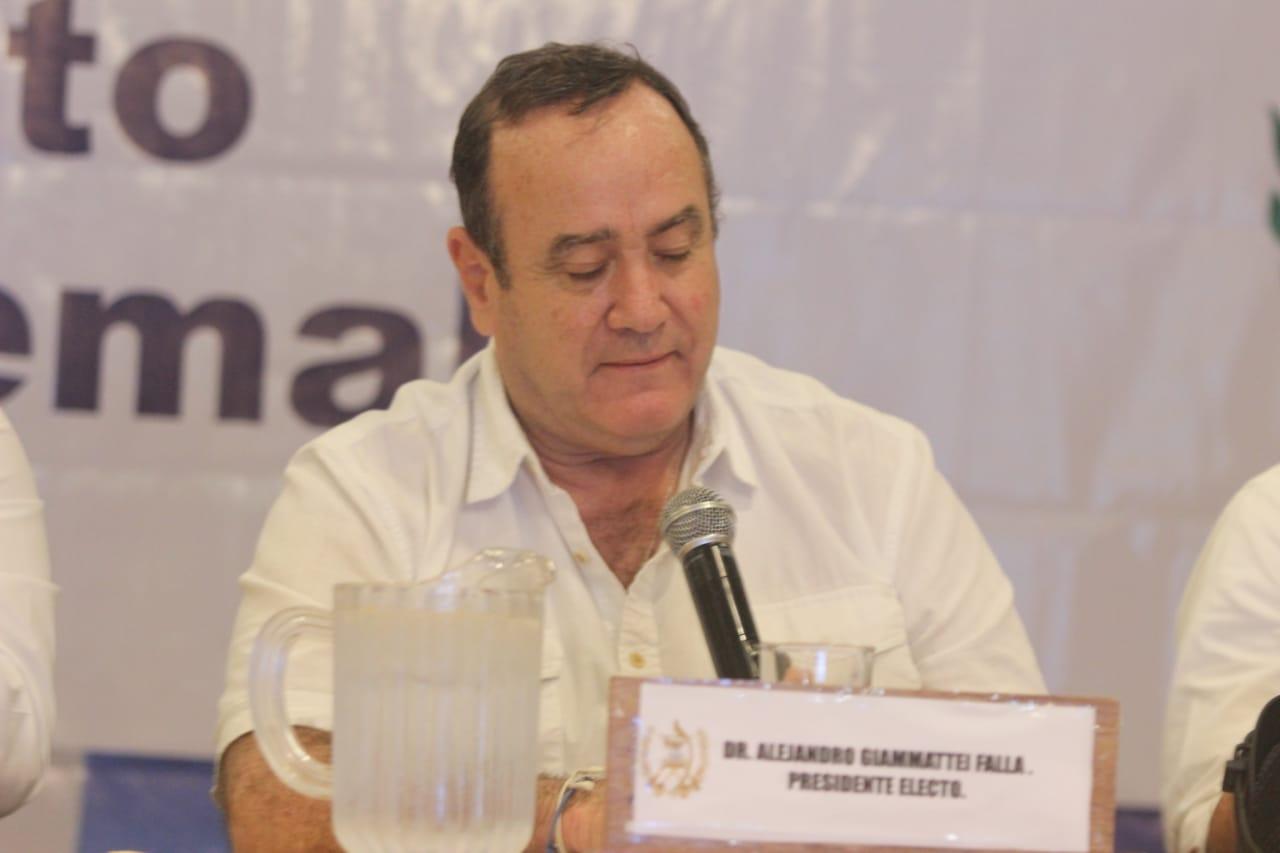 Giammattei oficializa a Edgar Godoy como ministro Gobernación designado