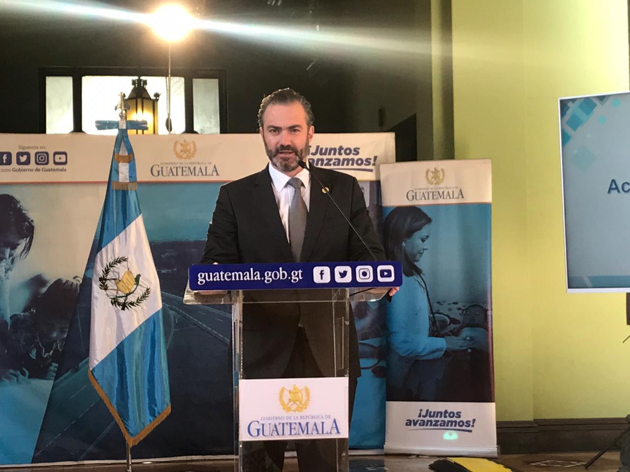 Ministro de Economía, Acisclo Valladares Urruela.