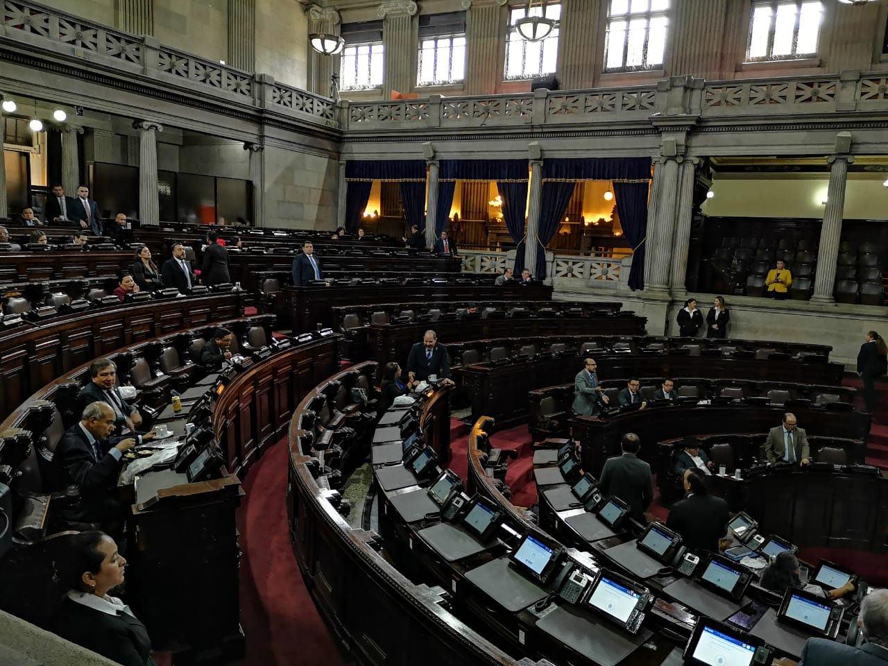 Analistas: ley de Aceptación de Cargos se aprobó sin bases técnicas