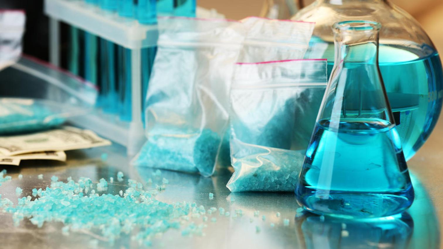 Detienen en EEUU a profesores de química acusados de fabricar metanfetamina