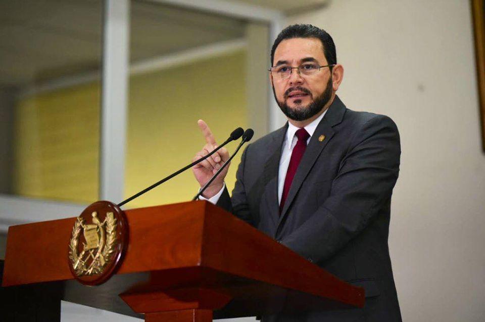 Jimmy Morales pide investitar enfrentamiento entre policías en la zona 7