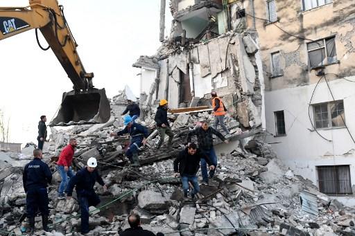 Sismo de 6.4 deja al menos 13 muertos en Albania
