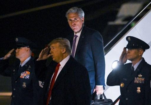Trump causa conmoción en Nueva York al asistir a pelea de la UFC