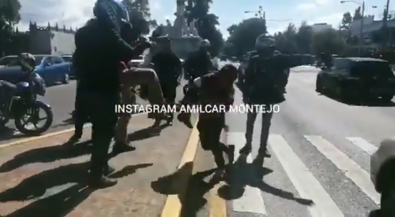 Vapulean a hombre señalado de cometer robos en la Reforma