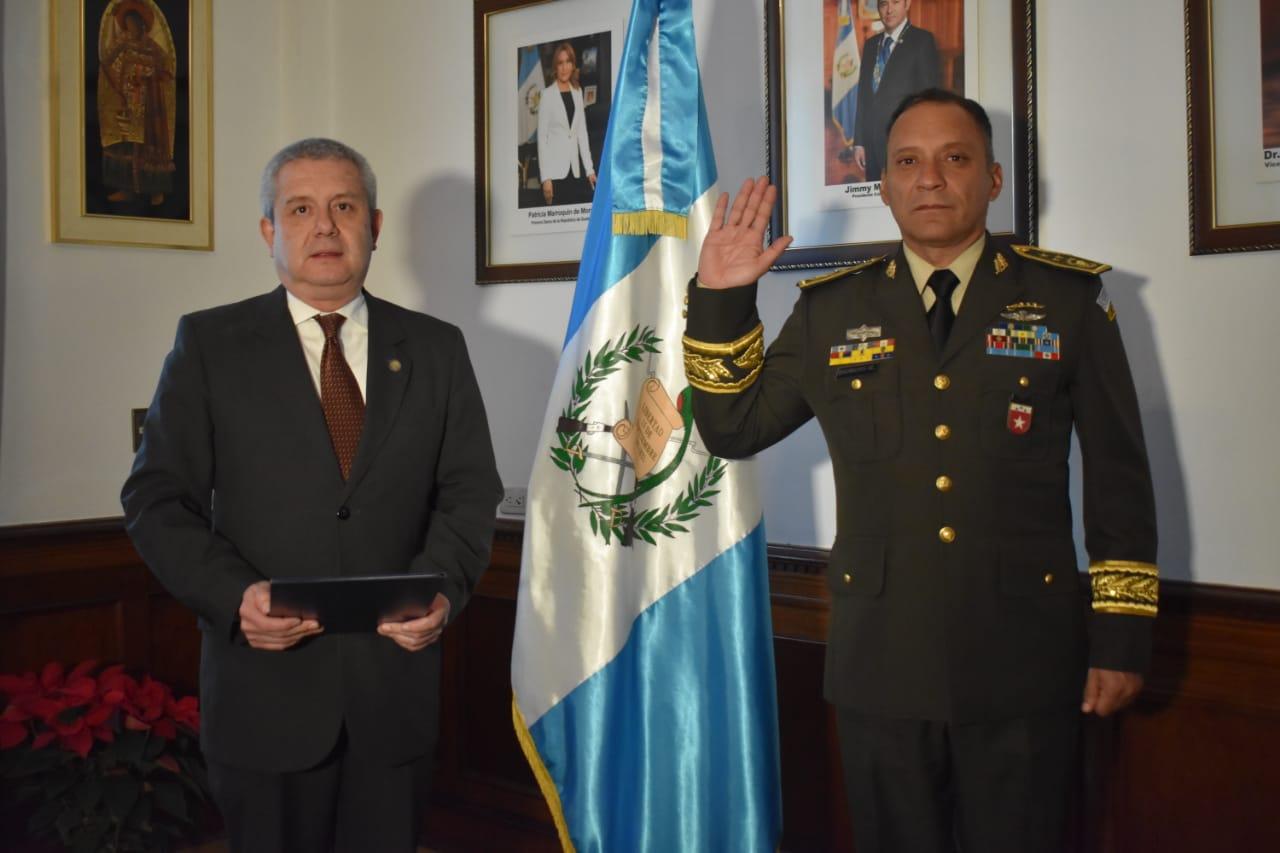 Nombran nuevo ministro de Defensa en sustitución de Luis Ralda