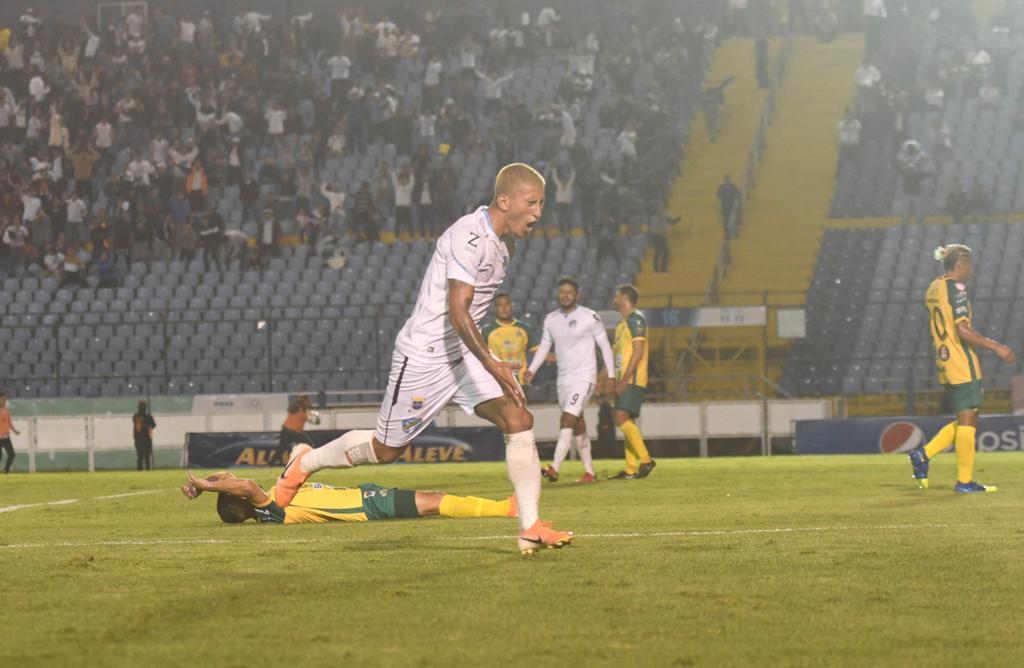 Stheven Robles Comunicaciones Torneo Clausura 2020