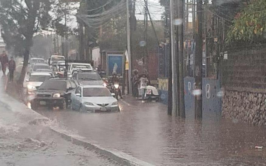 Inundaciones en la calzada Aguilar Batres
