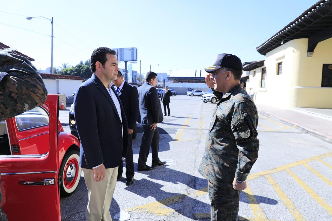 Jimmy Morales recuerda la no adquisición de aviones de combate