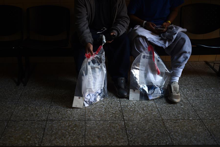 Migrante hondureño pide quedarse más tiempo en Guatemala