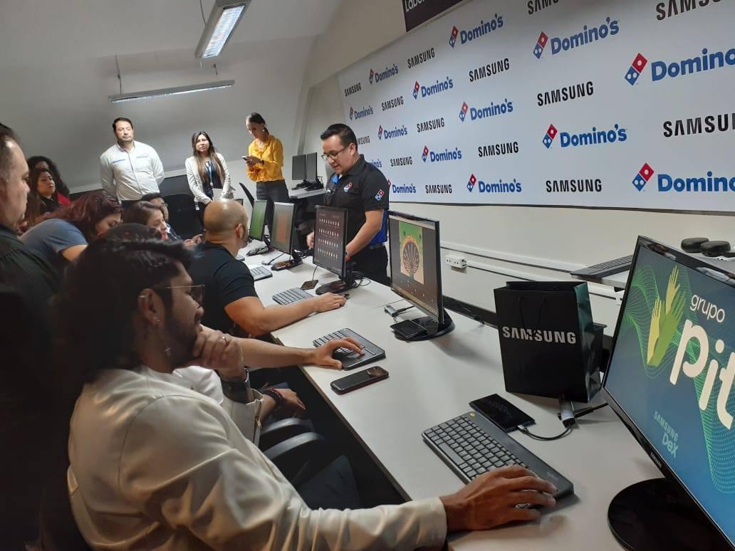 Samsung y Domino's Guatemala