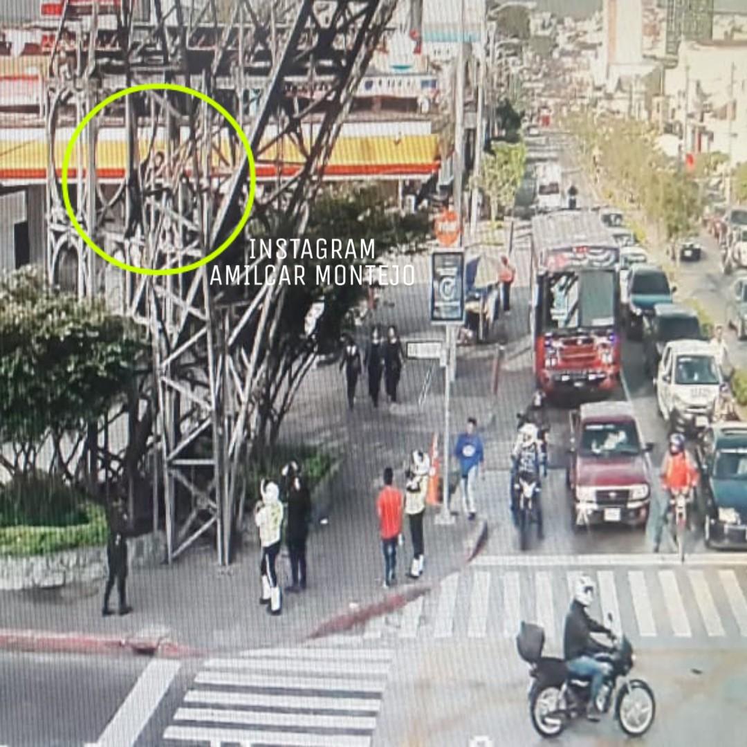 Hombre escaló la Torre del Reformador supuestamente para suicidarse