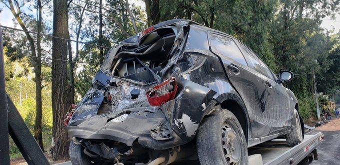 Un video de vigilancia muestra que momentos antes del accidente de esta mañana en Villalobos, el tráiler involucrado se conducía a excesiva velocidad.