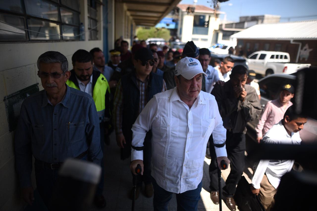 Alejandro Giammattei ordena cambiar a policías asignados a puerto Santo Tomás de Castilla.