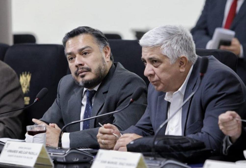 Diputados se enfrascan en pelea por distribución de oficinas