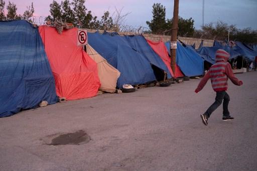 EEUU enviará a Guatemala a mexicanos que buscan asilo, dice el DHS