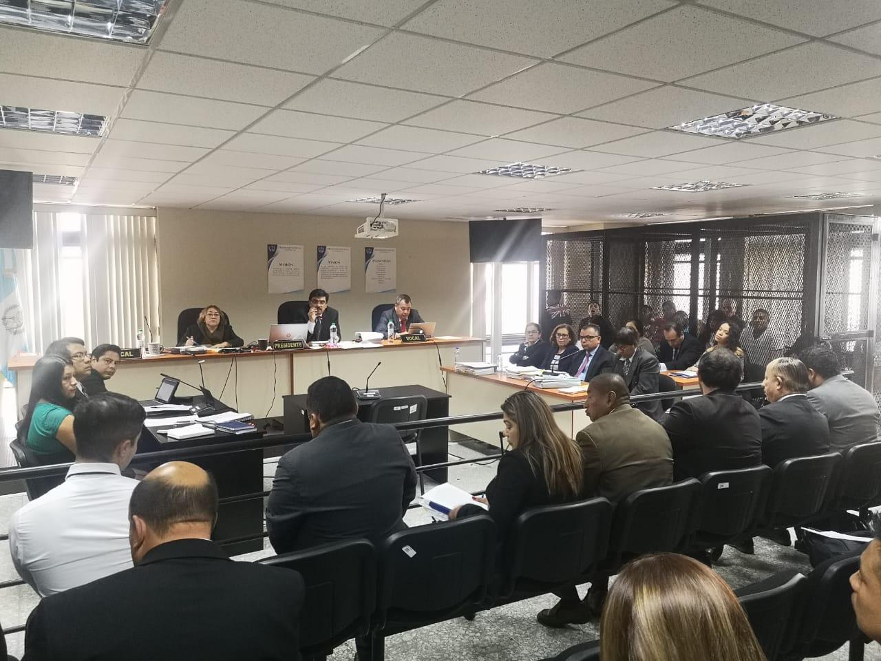 Inicia juicio contra 154 pandilleros señalados de asesinato y extorsión