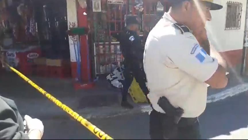 Mujer que llevaba a su hija en los brazos es asesinada en Villa Hermosa