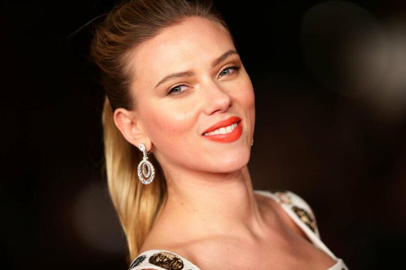 Scarlett Johansson alfombra roja Golden Globes